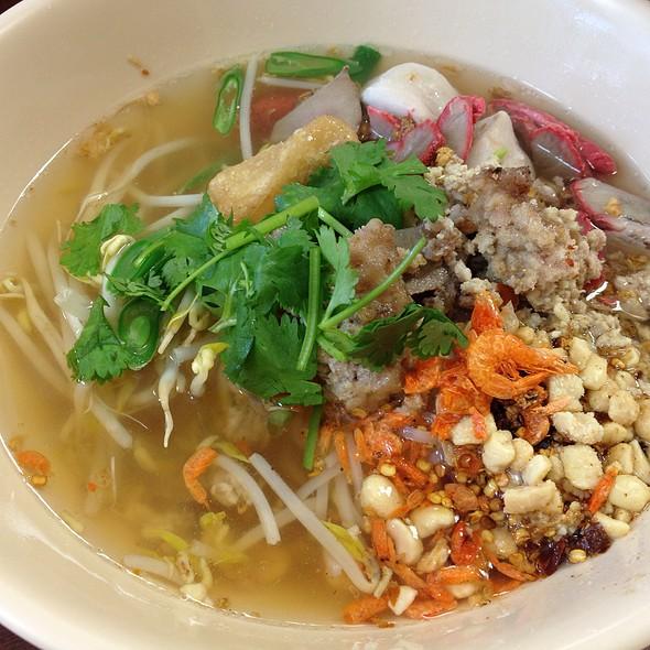 Tom Yam Noodle