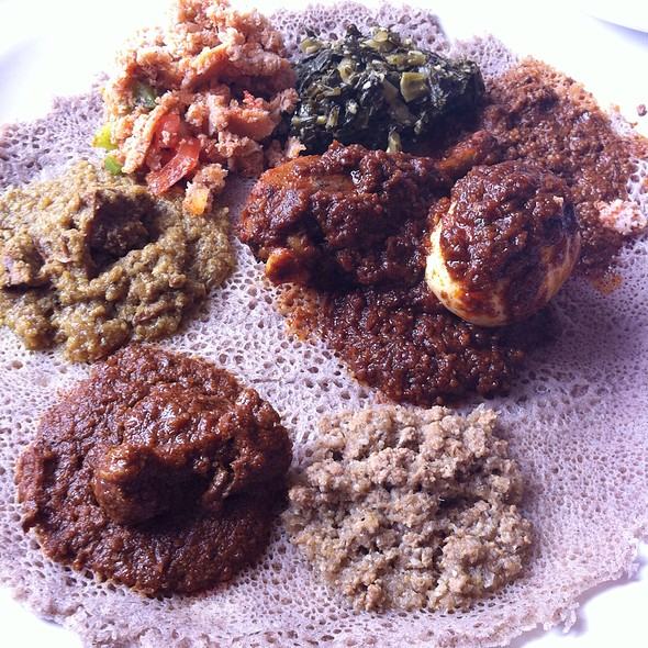 Ingera Bread With Chicken And Beef Combination - Das Ethiopian - Georgetown, Washington, DC