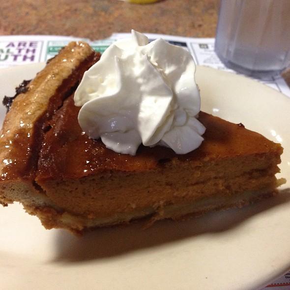 Pumkin Pie @ Limerick Diner