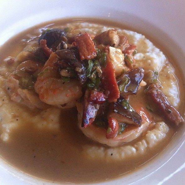 Shrimp and Grits @ La Petite Grocery