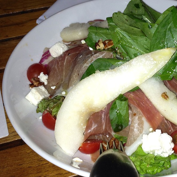 Mixed Salad With Italian Ham And Pear