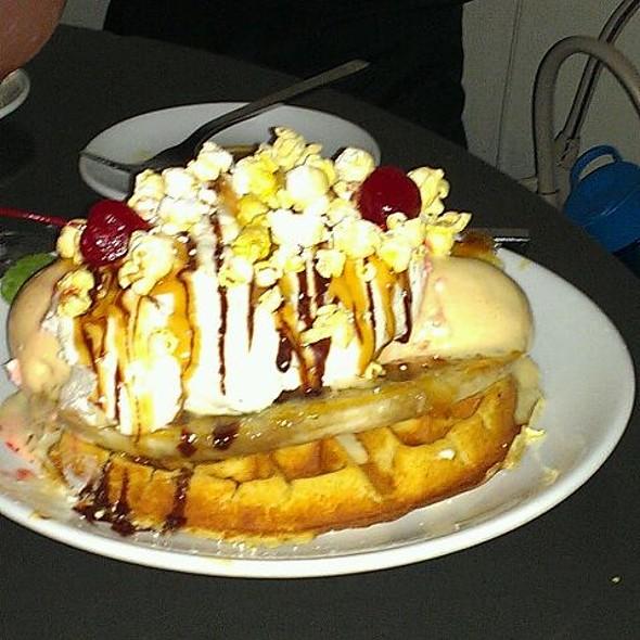 Banana Split Waffle @ Cafeteria