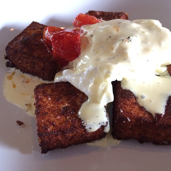Crispy Semolina, Poached Egg, Hollandaise, Tomatoes - Bread & Wine, Chicago, IL