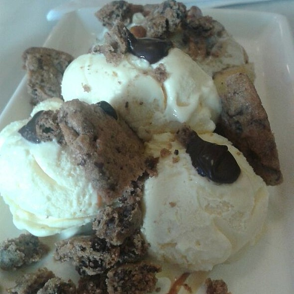 Cinnamon Rolls @ Cafe Crespin