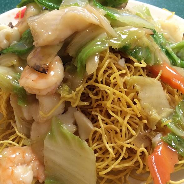 Seafood Crispy Noodle @ New Genki Ramen