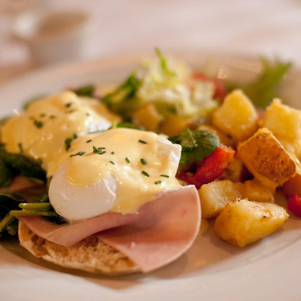 Eggs Florentine @ Left Bank Brasserie