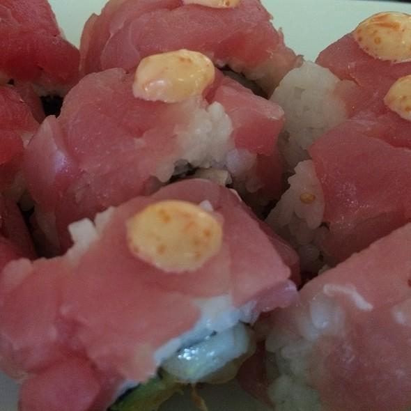 Tuna Tartare Roll Sushi