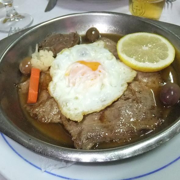 Bife Na Frigideira @ Fonte dos Passarinhos