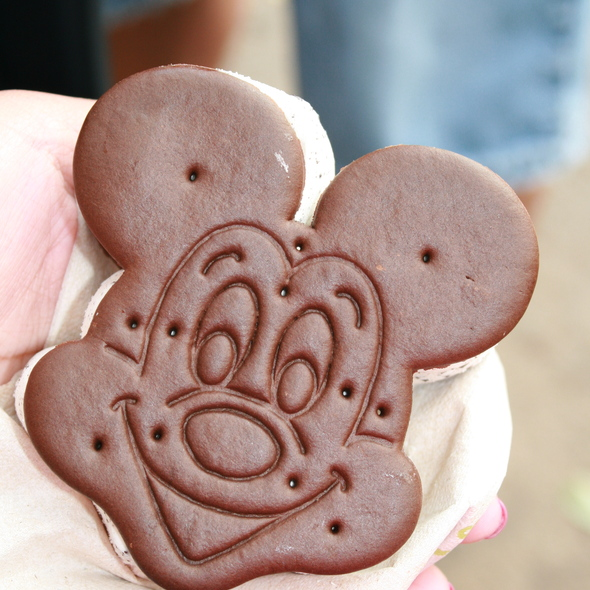 Mickey Premium Ice Cream Sandwich @ Walt Disney World Resort