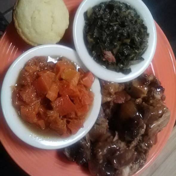 Oxtails, Yams, Collard Greens and Corn Bread