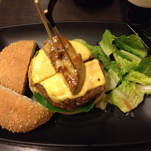 Beef And Foie Gras Burgers With Carmelized Bell Peppers @ Burgeroom