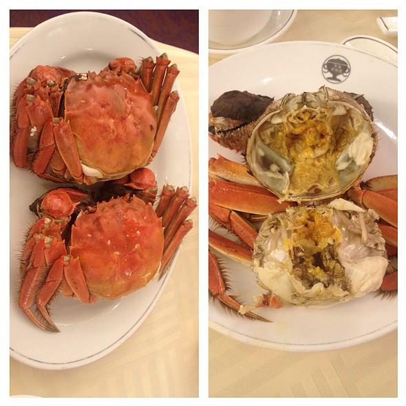 Steamed Fresh Hairy Crabs @ Hong Kong Old Restaurant
