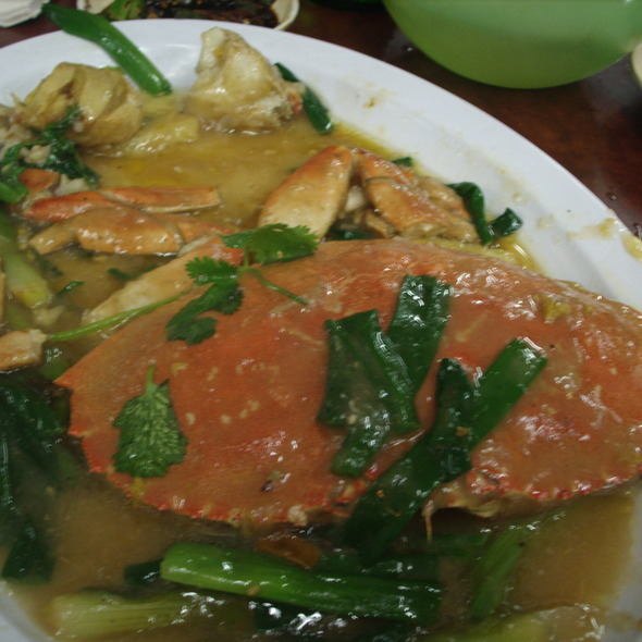 Crab with garlic @ Yuet Lee Seafood Restaurant