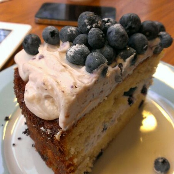Blackberry Cake @ Friends Forever