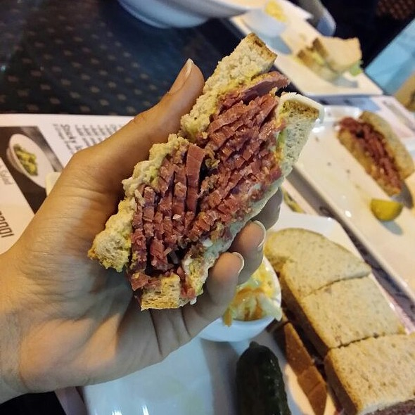 Corned Beef on Rye @ Maple Leaf Restaurant - Montreal Smoked Meat and Poutine
