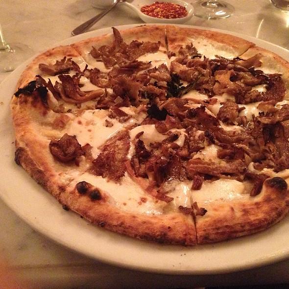 Cappellaccio Pizza