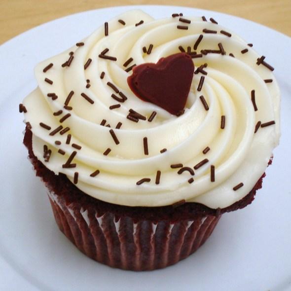 Red Velvet Cupcake @ Little Louie's Cafe & Deli