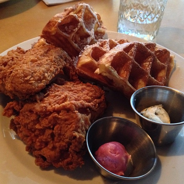 Chicken 'n waffles @ Sweet Chick