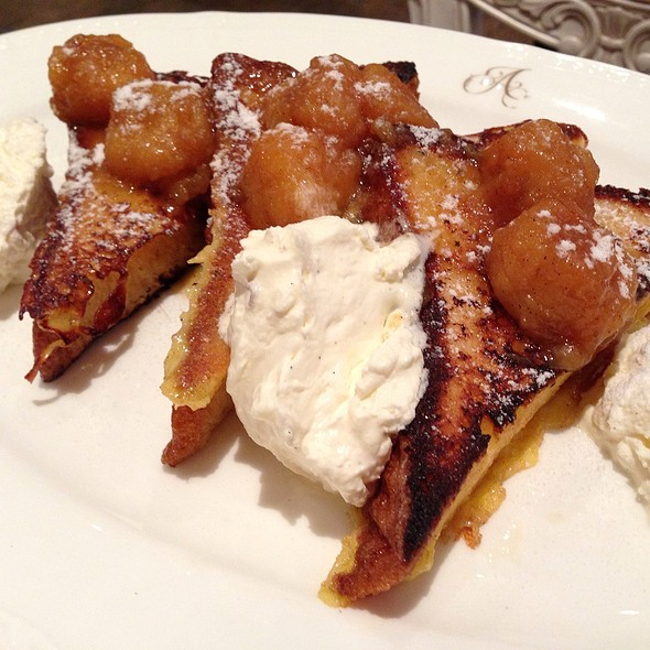 French Toast With Caramelized Bananas And Macadamias
