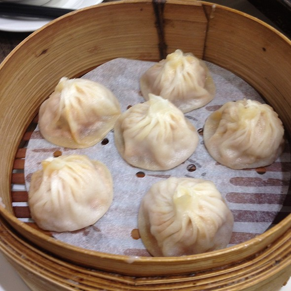Crab Xiao Long Bao @ Taste of Shanghai Restaurant