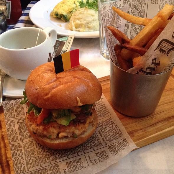 Salmon burger @ Petite Abeille