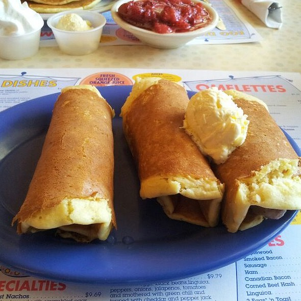Pigs in a Blanket @ Pancake Man