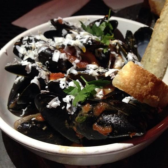 Mussels @ Bacchanal Fine Wine & Spirits