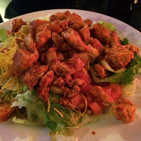 Buffalo Chicken Salad @ Barrett's Barleycorn