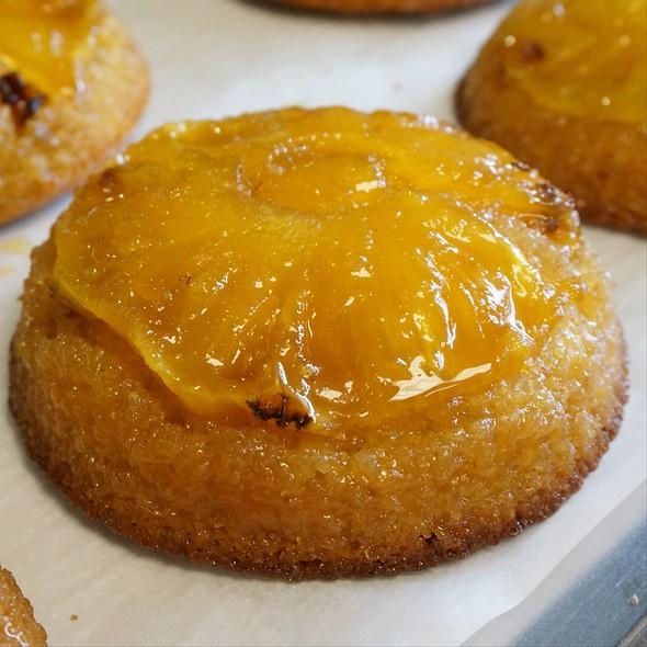 Honey Roasted Pineapple Upside-Down Kiawe Cake @ Highway Inn Kaka'ako