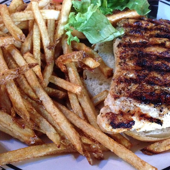 Blackened Chicken Sandwich at Southside Johnny's