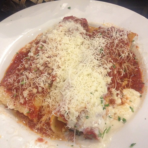 Cannelloni @ Joe's Italian