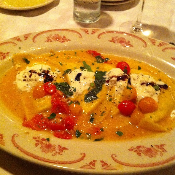 Maggiano's Little Italy Menu - St Louis, MO - Foodspotting