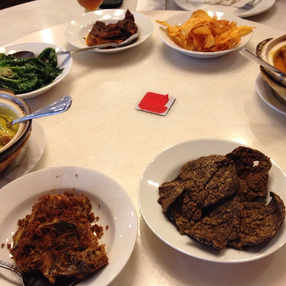 Download Lagu Goyang Nasi Padang 2: Restoran Sari Ratu Menu