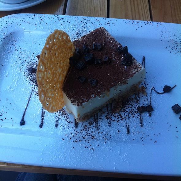 Muhallebili Bisküvili Pasta
