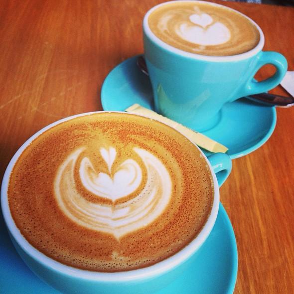 Latte @ Cafe Deadend