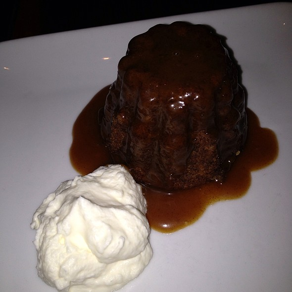 Sticky Toffee Pudding @ Nonna