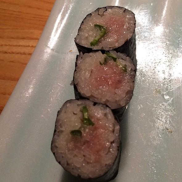 Yellowtail And Jalapeño Sushi Roll