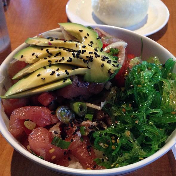 Poke Bowl @ Pono Hawaiian Grill