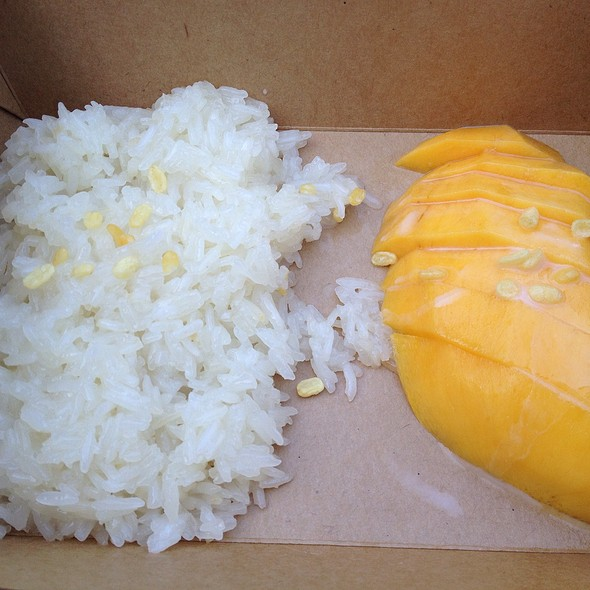 Sticky Rice With Coconut Milk And Mango @ Night Noodle Markets