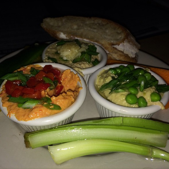 Hummus Trio @ Earth Bread + Brewery