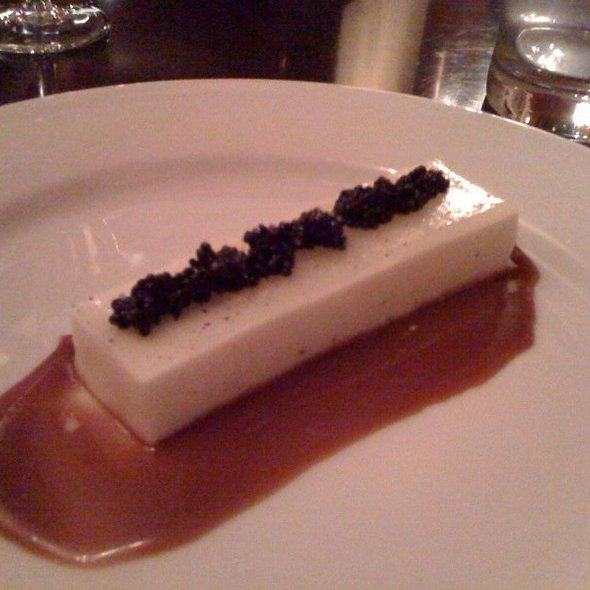 Creme fraiche panna cotta with caramel and caviar @ Ludo Bites