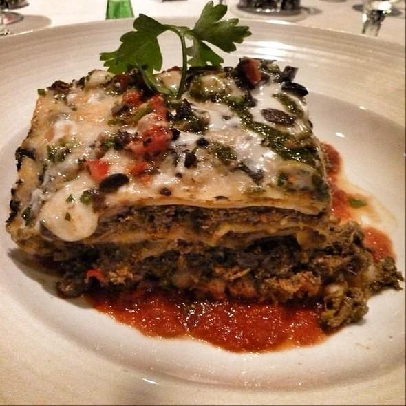 Lasagna Bolognese @ Cruise