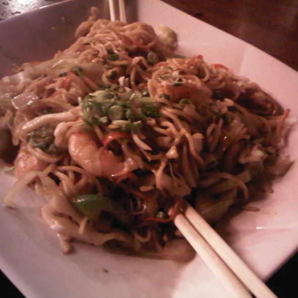 Shrimp Yakisoba @ Haiku Japanese Restaurant