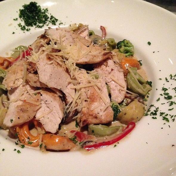 tortellini - Johnny's Italian Steakhouse - Middleton, Middleton, WI