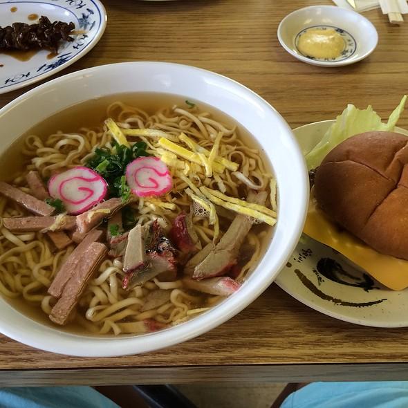 Saimln And Cheeseburger @ Shige's Saimin Stand