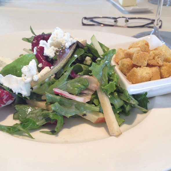 Field Green Salad With Apples And Goat Cheese - X2O Xaviars on the Hudson, Yonkers, NY