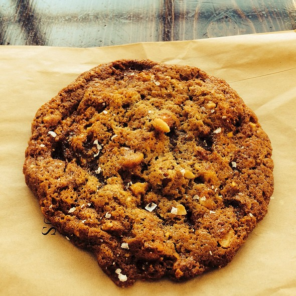 Peanut Brittle Cookie @ Mr. and Mrs. Miscellaneous