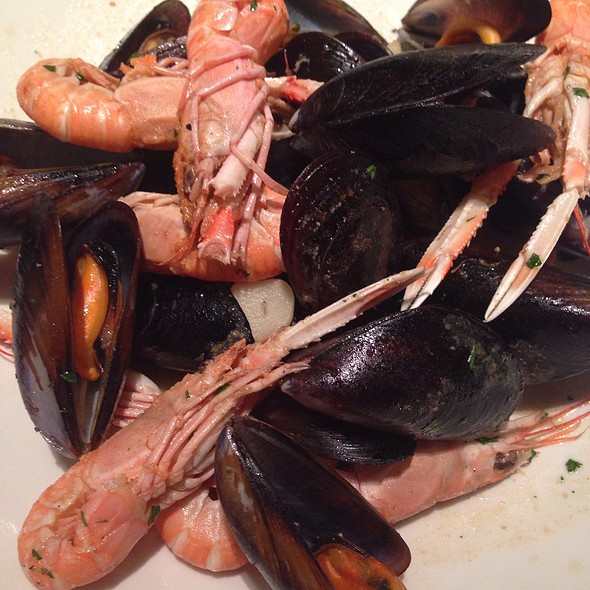 Mussels And Crayfish