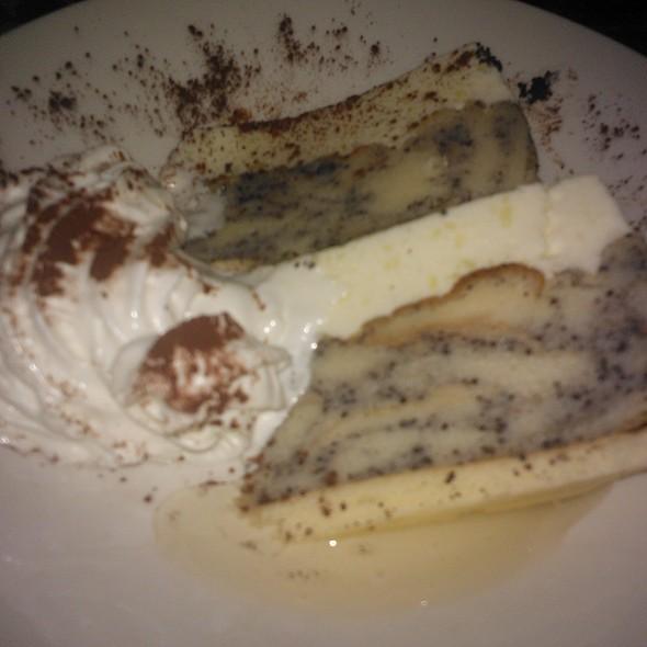 Poppyseed cake @ Drum Cafe