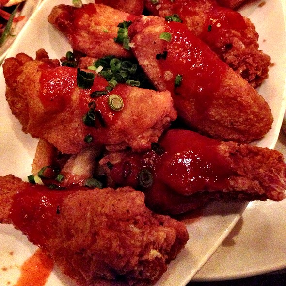 Chicken Wings With Mumbo Sauce
